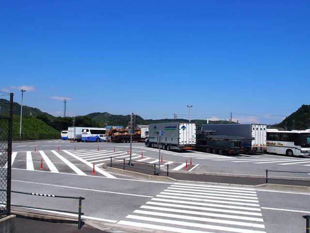 東側大型車専用駐車場