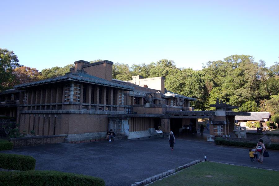 明治村(主に明治時代の建造物を多数移築したテーマパーク)
