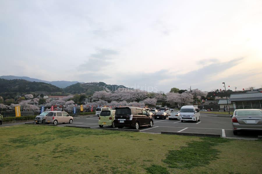 物産館南駐車場